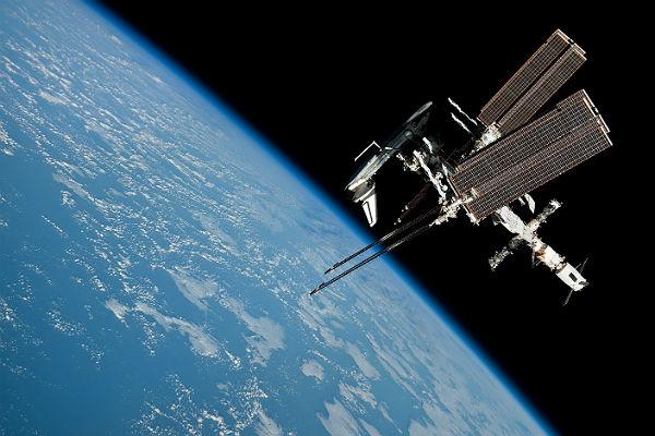 Вместо Сары Брайтман в космос полетит казахский космонавт Айдын Аимбетов