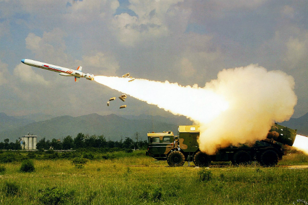 Украина, невзирая  наультиматум Российской Федерации , начала военные учения сракетными стрельбами