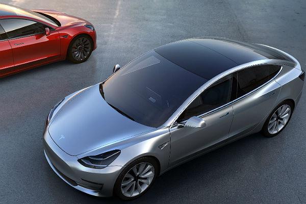 Автопилот Tesla устроил трагедию в КНР