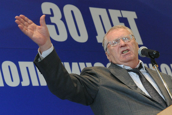 Жириновский стал первым зарегистрированным кандидатом навыборах