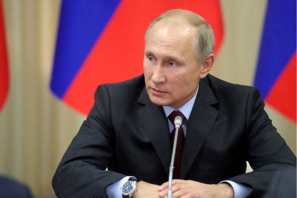 Путин назвал любовь к отчизне инеприятие давления извне генетическим кодом граждан России