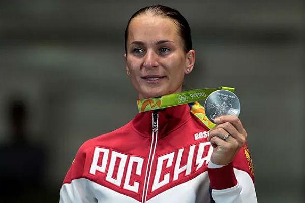 Фехтовальщица Великая возвратит олимпийские медали из-за потертости