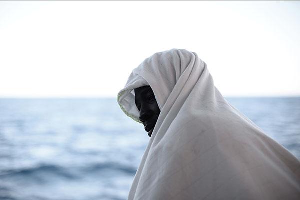Италия непропустит встрану суда смигрантами