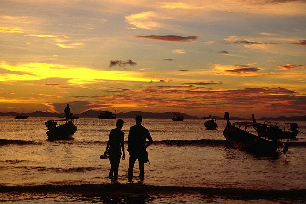 ВТаиланде русский турист сутки ждал спасения воткрытом море