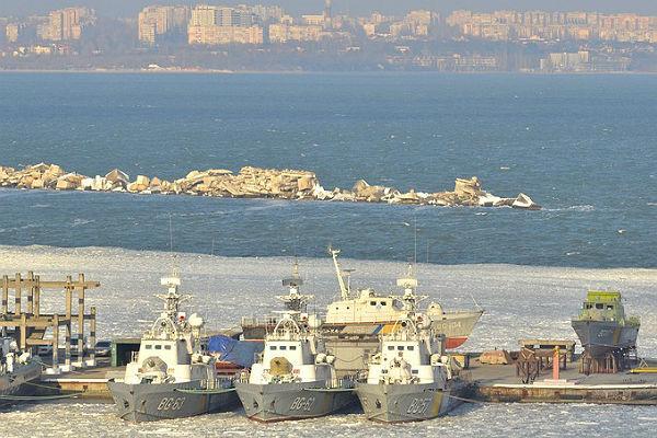 Корабли ВМФ Украины вмёрзли вгавань Одессы— бойцы неудачи