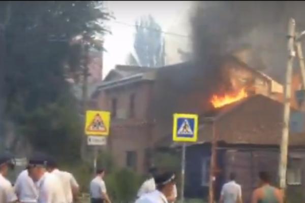 ВРостове наНижегородской гасят серьезный пожар