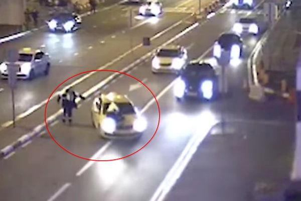 Милиция начала проверку видео после наезда наинспектора ГИБДД воВнукове