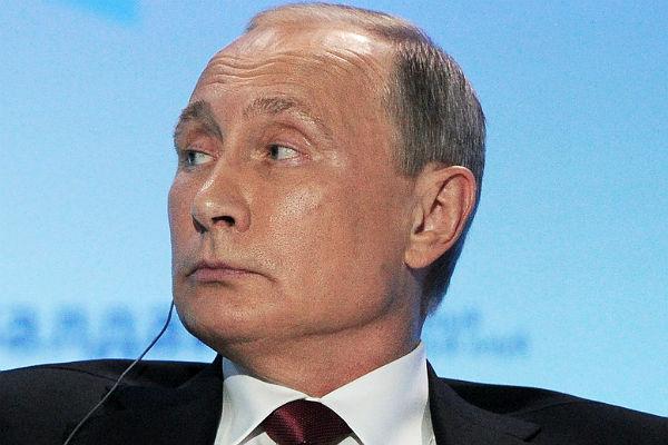 Путин отправил вотставку четырех генералов МВД