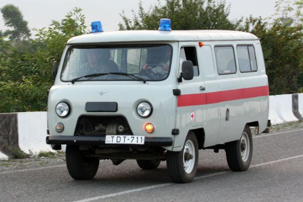Шестеро детей пострадали в итоге падения измикроавтобуса вГрузии