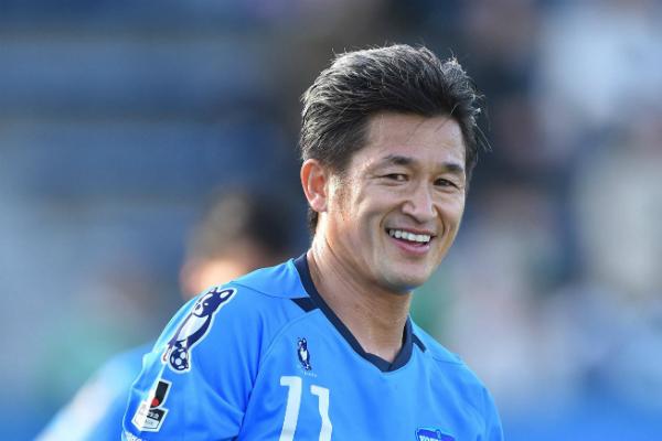 Миура стал самым возрастным игроком вмире— Футбольный старичок