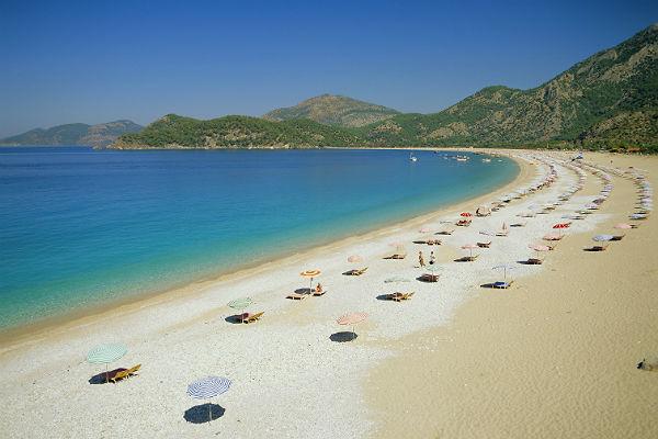 АТОР: Все туристы, поехавшие с туроператорами, вернулись из Турции