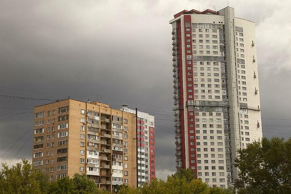 В столице России с16-го этажа многоквартирного дома упал ребенок