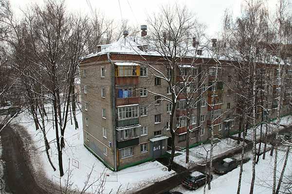 Ветер сорвал крышу жилого дома вСтаврополе
