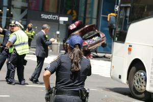 Наехавший на пешеходов в Нью-Йорке водитель слышал голоса