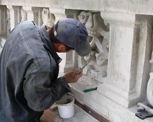 При реставрации памятнков архитектуры усиливаю подземные и наземные...