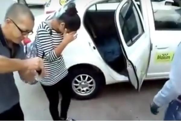 ВХабаровске таксист снял накамеру издевательства над пассажирами