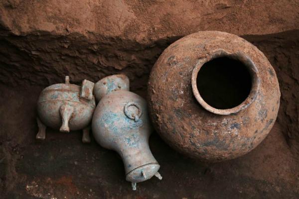 В «Поднебесной»  найдена бутылка 2000-летнего алкоголя