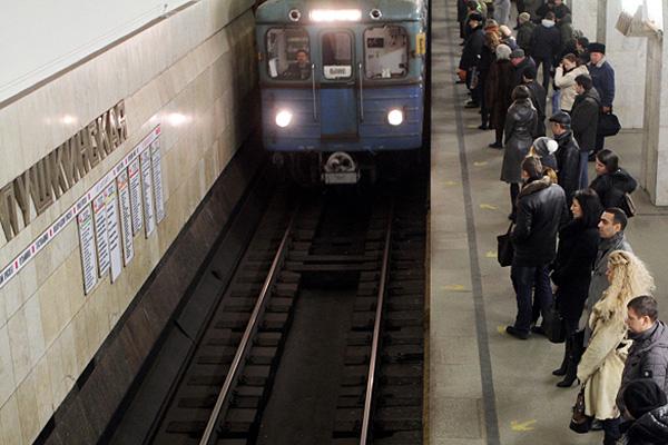 Новая схема московского метро появится в вагонах и вестибюлях в апреле.