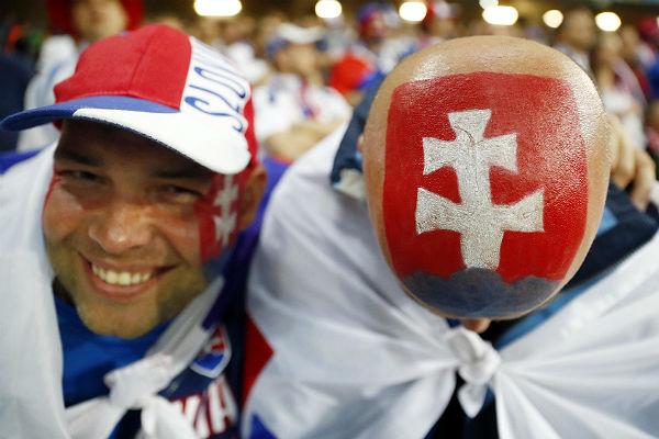 Онлайн-трансляция матча Евро— Словакия