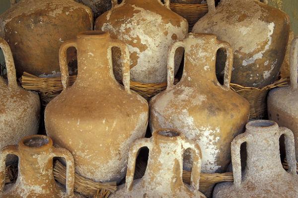 Петербургские археологи нашли амфору с нефтью под Краснодаром