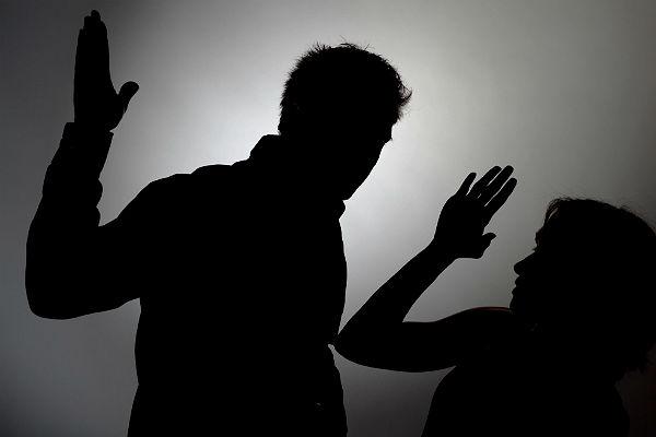 Большинство граждан России считают, что физиологическое насилие всемье неприемлемо