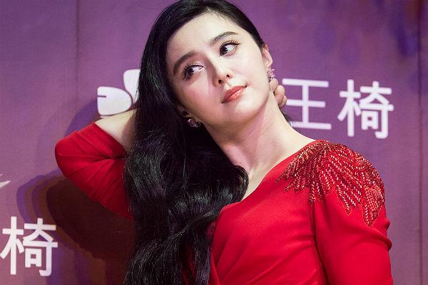 Актрисы китайского взрослого кино, глубоко в жопу толстым членом