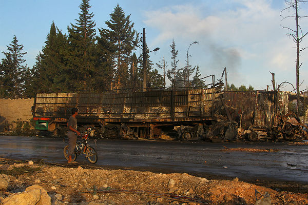 Москва призвала расследовать атаку нагуманитарный конвой вСирии