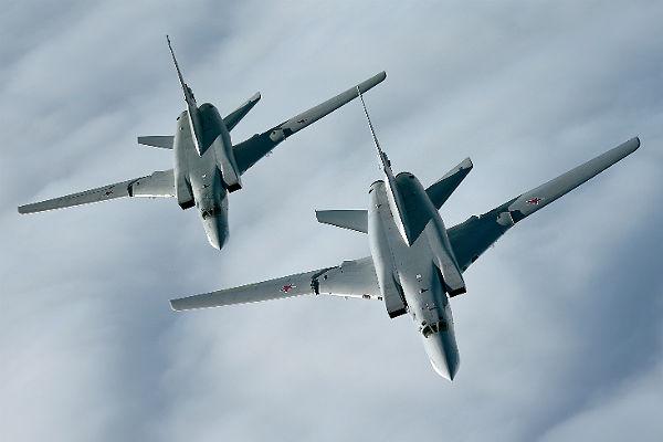 Ту-22 разбомбили террористов вСирии— МинобороныРФ
