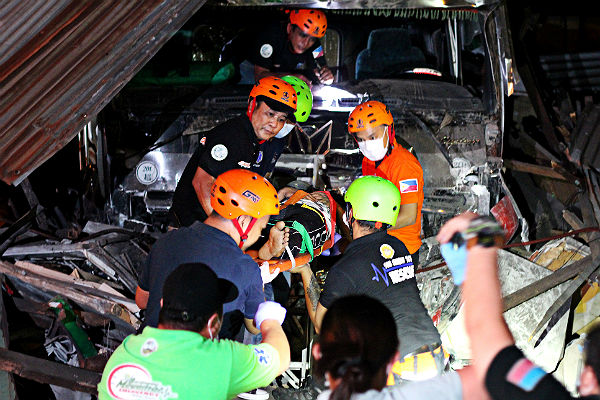 Поменьшей мере 20 человек погибли при столкновении автобусов наФилиппинах
