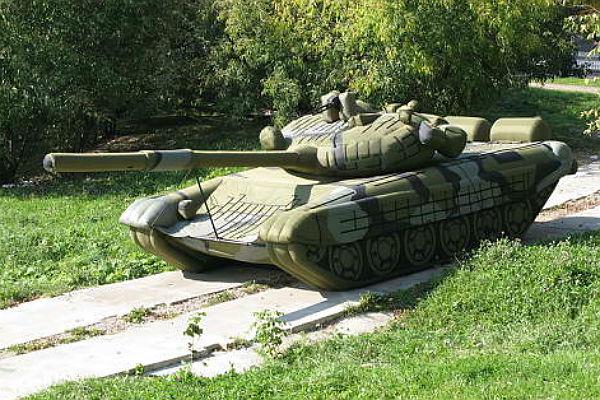 Минобороны увеличило заказы нанадувные танки исамолеты