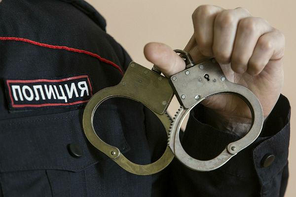 ФСБ ичиновники молчат обобысках усвердловского министра