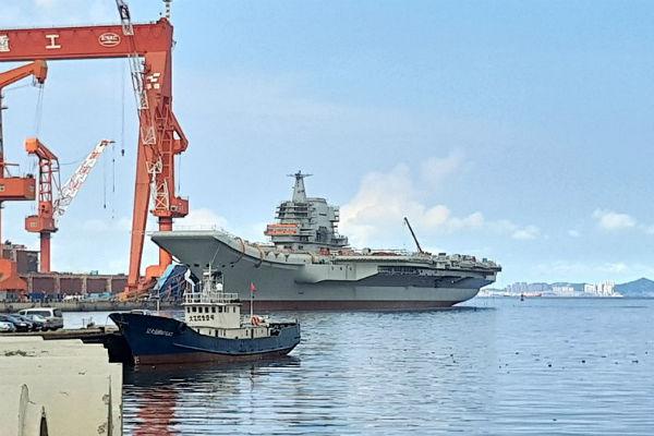 1-ый китайский авианосец собственной постройки готов киспытаниям вморе