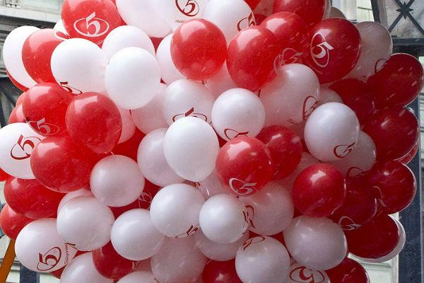 ВПетербурге неизвестные украли 3 тысячи воздушных шаров