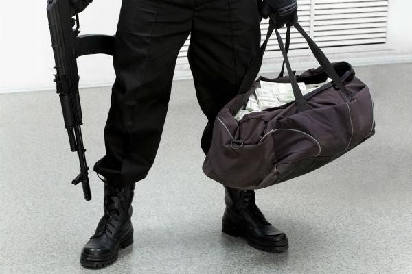 Дерзкое ограбление в аэропорту