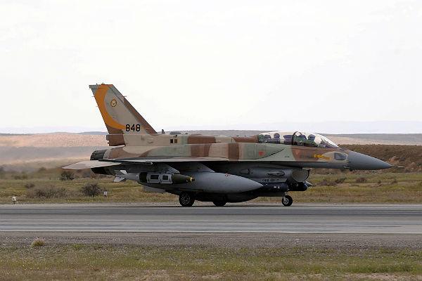 Сирийская армия сообщила осбитых военном самолете ибеспилотнике ВВС Израиля