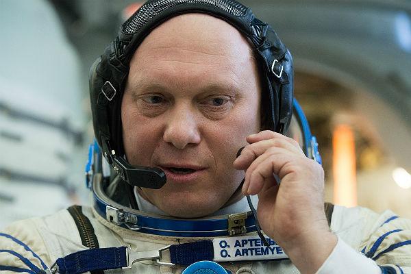 Объявлена дата выхода воткрытый космос Артемьева иОвчинина