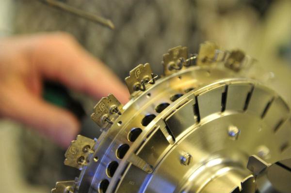 Присуждены правительственные премии вобласти науки итехники за2016 год