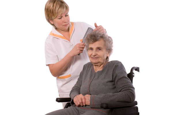 Стрижка на дому пожилого человека