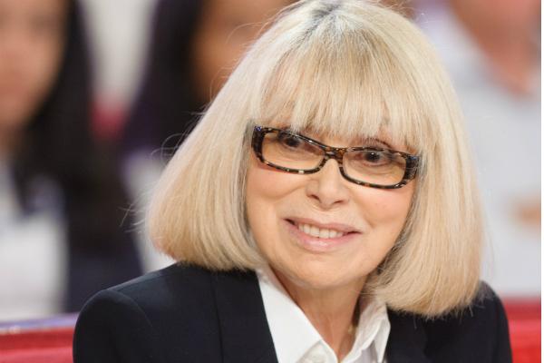 Погибла звезда фильма «Высокий блондин вчерном ботинке» Мирей Дарк