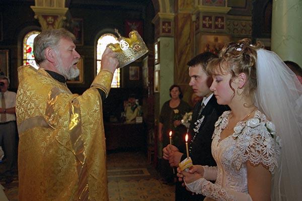 Крестные отец имать смогут заключать браки порешению РПЦ