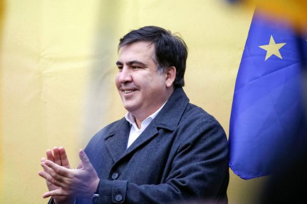 Саакашвили намитинге вКиеве призвал кдосрочным парламентским выборам