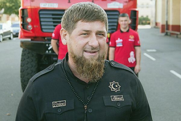Боец чеченского «Ахмата» Александр Емельяненко посвятил стихотворение Путину