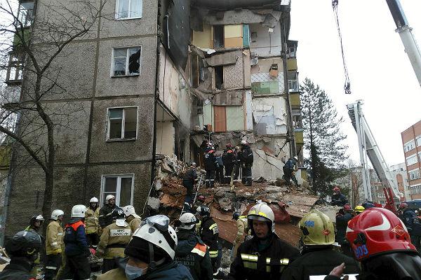 Cотрудники экстренных служб завершили расчистку завалов наместе взрыва вЯрославле