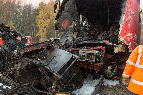 Поезд столкнулся с фургоном наюго-западе Словакии