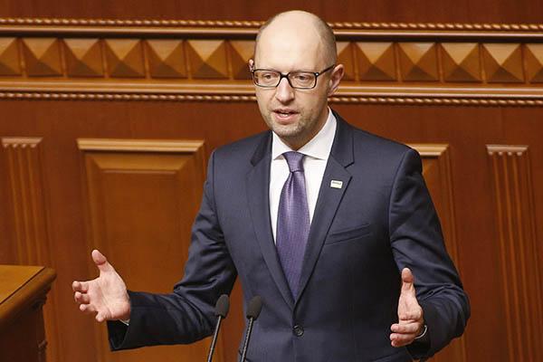 Яценюк лично расстреливал русских военных вЧечне— СКРФ