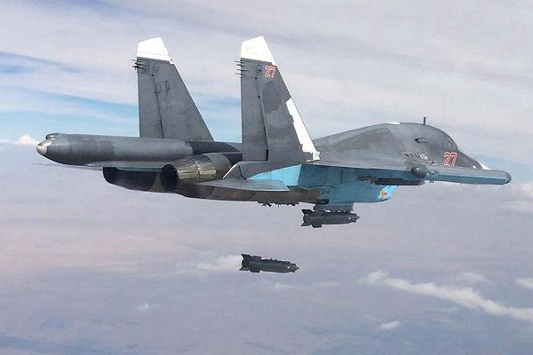 Сирийские самолеты доставили восажденный Дейр-эз-Зор 60 тонн продовольствия
