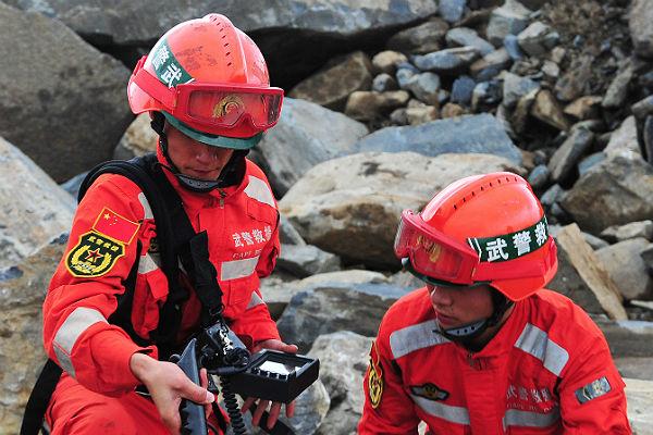 Обрушение строительных лесов настройке в КНР привело кжертвам