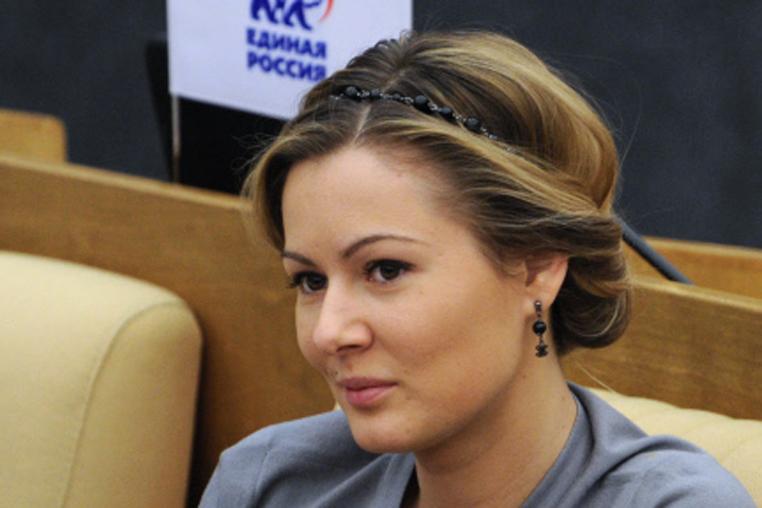 Девушка депутат фото