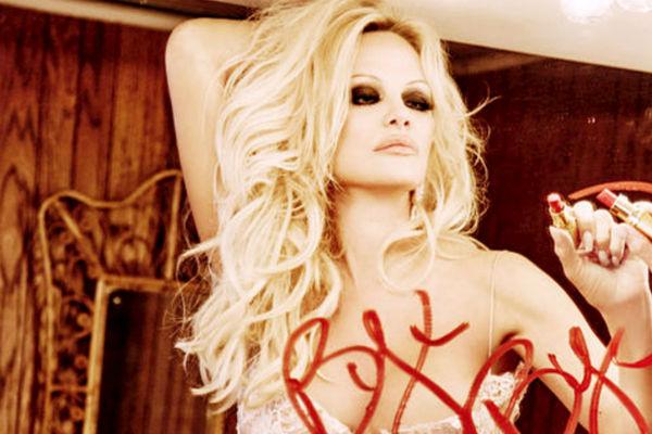Playboy «напрощание» покажет голую Памелу Андерсон