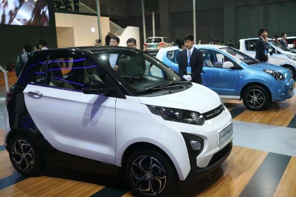 КНР позволит иностранцам производить автомобили исамолеты